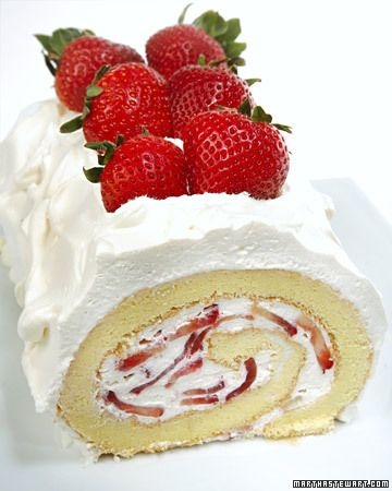 Vanilla sponge cake with strawberries and whipped cream