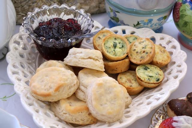 tea party menuTeas Parties Food, Teas Time, Teas Parties Menu, Alice In Wonderland, Tea Parties, Parties Ideas, Tea Party Menu, Corn Dip, Wonderland Teas Parties