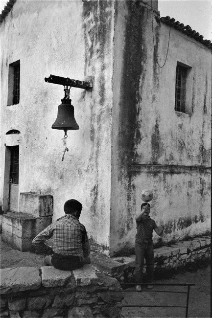 Nikos Economopoulos GREECE. South Peloponnese. Draina village. In the church yard. 1985.