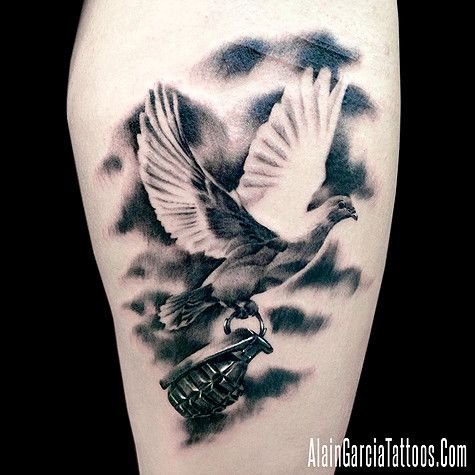 best 25 dove tattoos ideas on pinterest dove tattoo meaning peace dove tattoos and bird. Black Bedroom Furniture Sets. Home Design Ideas