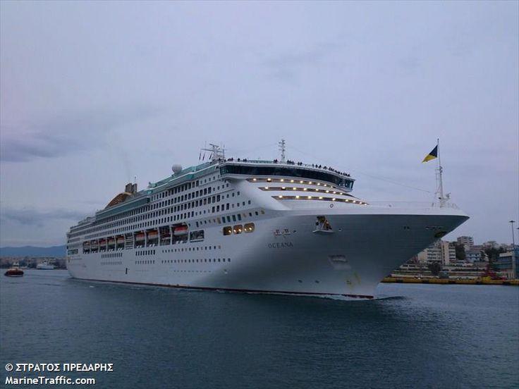 Το Oceana αποπλέει από τον Πειραιά. 21/02/2013.