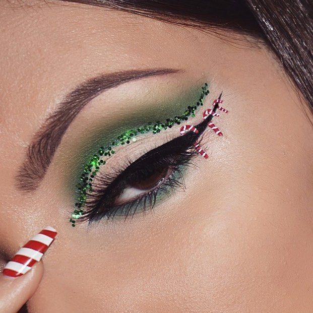 Waiting for Christmas like @morphebrushes Picasso palette @nyxcosmetics vivid brights liner in vivid fire @nyxcosmetics white liquid eyeliner @nyxcosmetics matte liquid eyeliner @so.lash jade lashes @anastasiabeverlyhills brow wiz+brow powder duo in dark brown