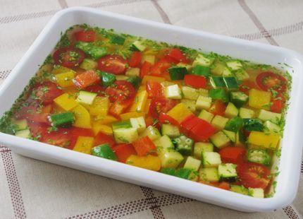 夏野菜のコンソメジュレ