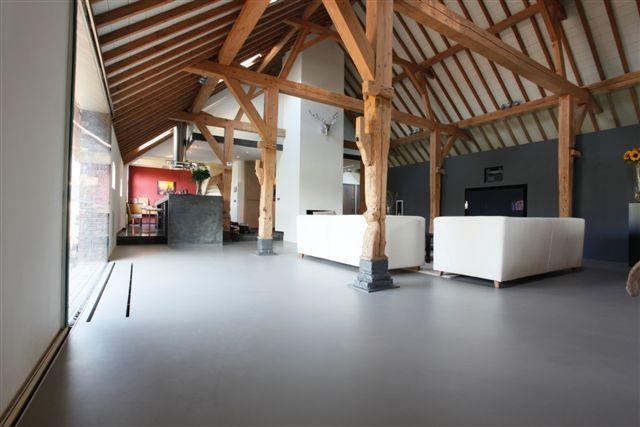 Binnen in een moderne boerderij google zoeken hoeve pinterest interieur - Midden kamer trap ...