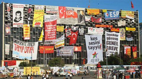 Turkuaz Magazine - Politics - News on Turkey 2013
