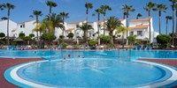 Het resort is gelegen in het zonnige zuiden van Tenerife aan de voet van Spanje?s hoogste berg de Teide. De golfbaan bij San Miguel de Abona en het Reina Sofia Airport liggen niet ver van Sunningdale Village vandaan. The populaire toeristische gebieden Playa de Las Americas en Los Cristianos vindt u op korte rijafstand met de auto.