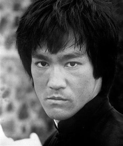 """Bruce Lee - """"The only style is that there is no style. Become like water."""""""