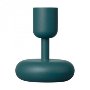 Iittala Nappula Candleholder was born when Matti Klenell visited the Nuutajärvi glass museum and fell in love with an unusually shaped table. Inspired by its distinctive design, he created Nappula. Available in brass as well as selected colours in powder coated steel, and two sizes 107 & 183 mm. Though every Iittala item stands proudly on its own, they also inhabit a world of endless combinations. Simply mix and match. As well as being incredibly practical, they're already icons in the…