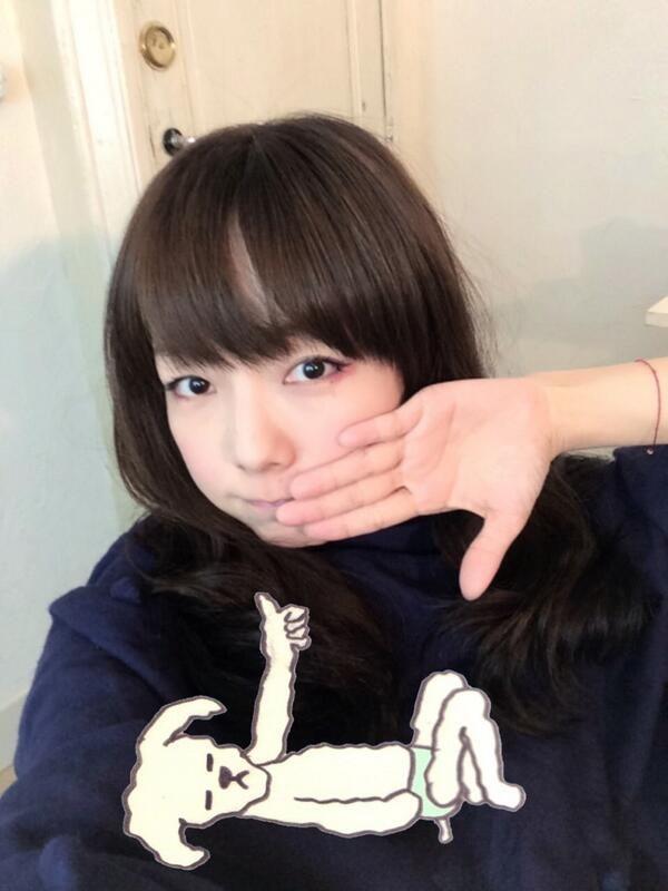 aiko official @aiko_dochibi  5時間 今日はレコーディングと撮影でした。 撮影スタジオの天井が高くてとっても響いたので、渡辺真知子さんのかもめが翔んだ日を本気で熱唱した( •̀ .̫ •́ )✧ ばり 気持ちいい ビブラートBKB! pic.twit...
