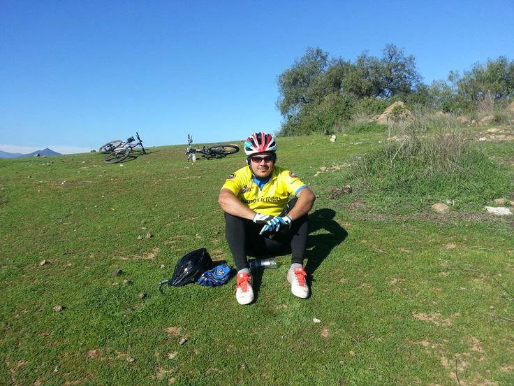 Felipe P Cordova Vistiendo orgulloso la tricota amarilla en La Calera V Region .. Happyciclistas