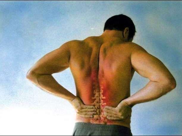 Τα προβλήματα της σπονδυλικής στήλης συχνά προκαλούν πόνο στα πιο άσχετα μέρη του σώματος. Έτσι, ξεκινάτε να κάνετε θεραπεία για άλλες ασθένειες και φυσικά δεν υπάρχει καμία βελτίωση.  Γι' αυτό είναι πολύ σημαντικό να δίνετε την απαραίτητη προσοχή στη σπονδυλική σας στήλη.Αν νιώθετε πόνο στην πλά