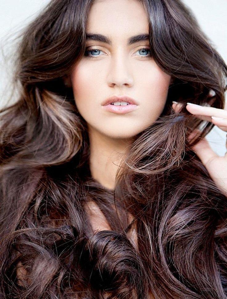 Lange Haarschnitte und Tipps zur Haarpflege