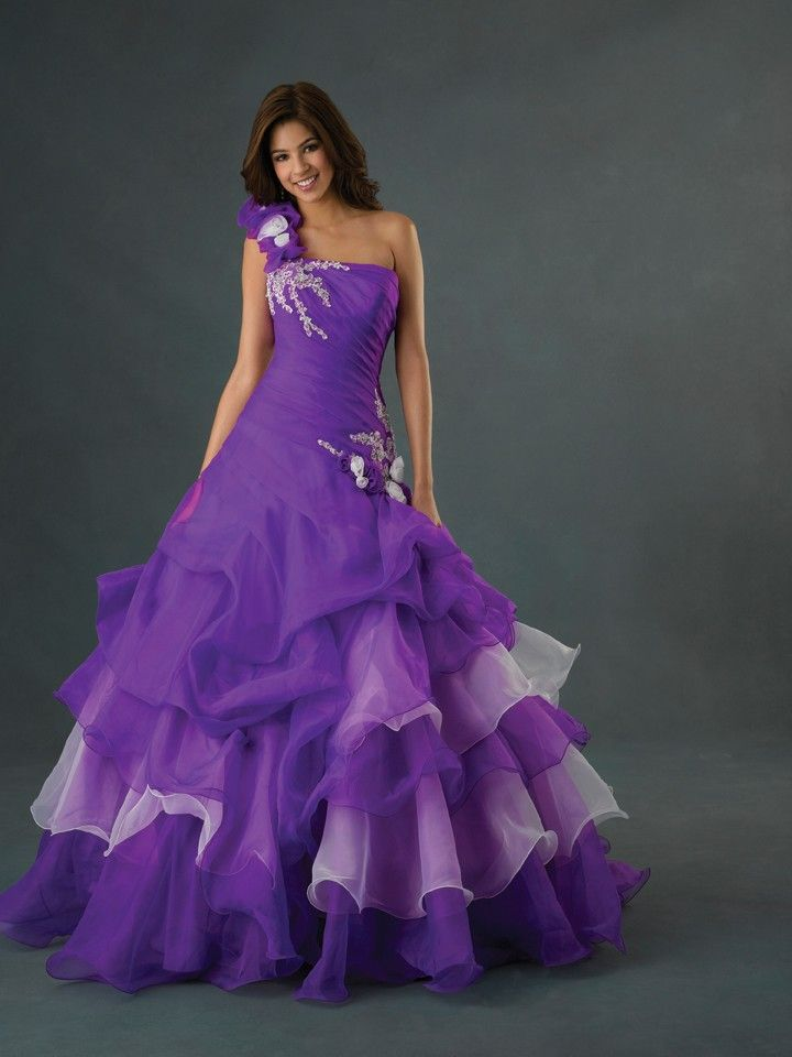 72 best Ball gowns images on Pinterest | Ball dresses, Ball gowns ...
