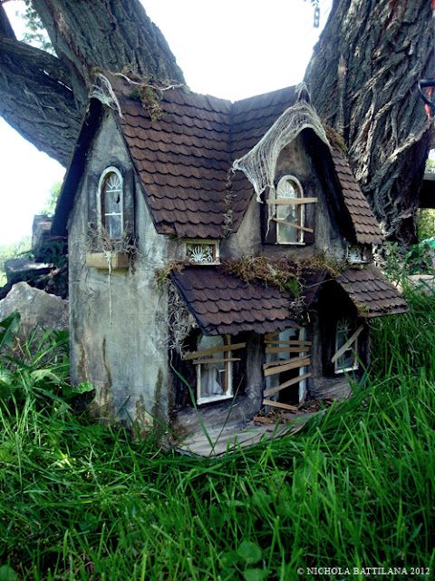The Abandoned House - spooky dollhouse made from a dollhouse that was rescued from the trash - Nichola Battilana