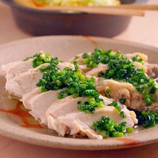 しっとりやわらか、茹で鶏のねぎソースがけ  |  あさこ食堂