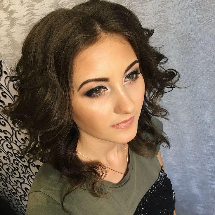 Кудри и мейк ������Сегодня был насыщенный день����но мы справились����Жду фото второй выпускницы))☺️☺️Жаль что я иногда забываю фотографировать работу☹️��☺️ Запись и дополнительная информация по телефону 0968447187��������#instamakeup #instagramanet #instatag #makeup #makeupartist #makeupaddict #makeupjunkie #makeuplover #makeupforever #makeupbyme #cosmetic #cosmetics #eyeshadow #mascara #palettes #eyeliner #lip #lips #tar #pomade #foundation #concealer #lashes #lash # визажист #стилист…