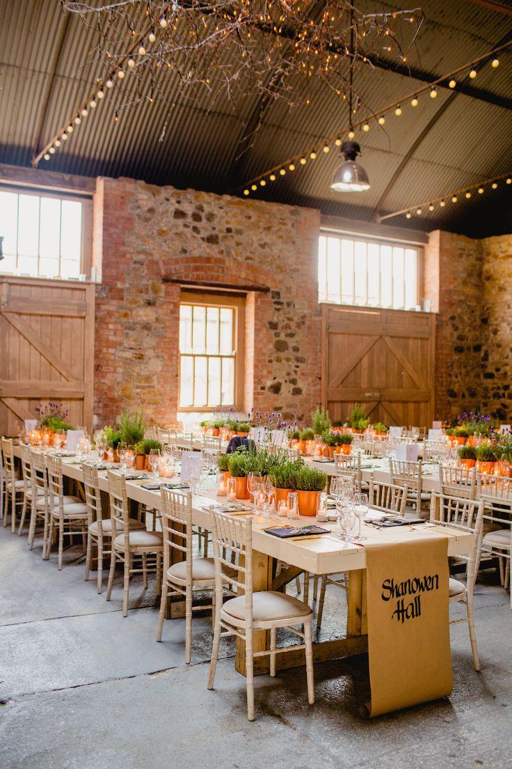 Irish barn wedding by Navyblur Photography