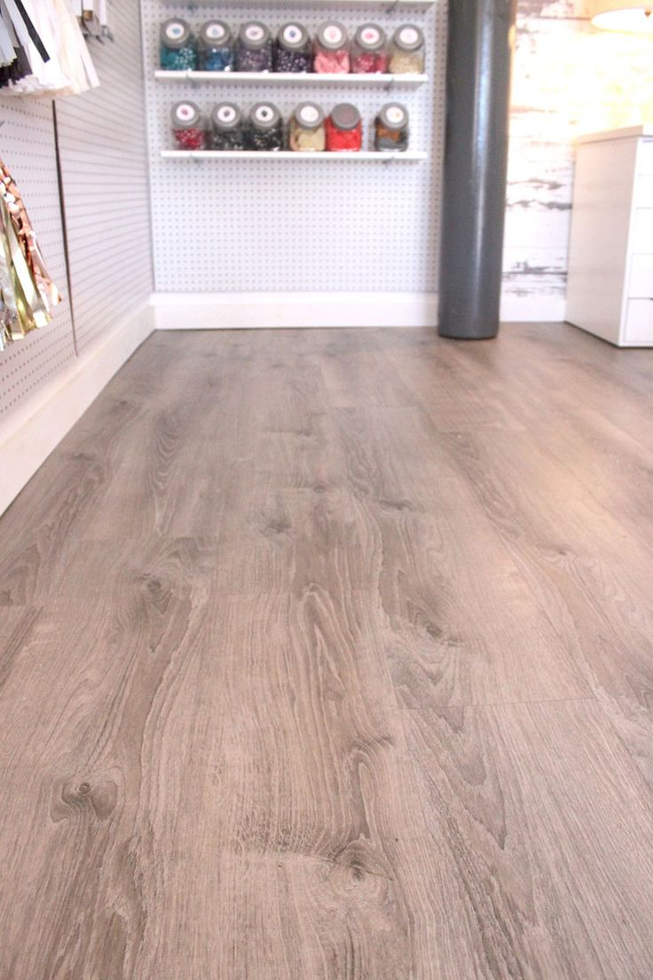Allure Ultra Vinyl Flooring Planks in Smoked Oak Silver