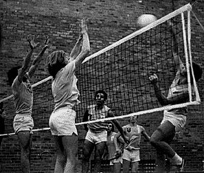 Melbourne vs. Monash volleyball match, 1971