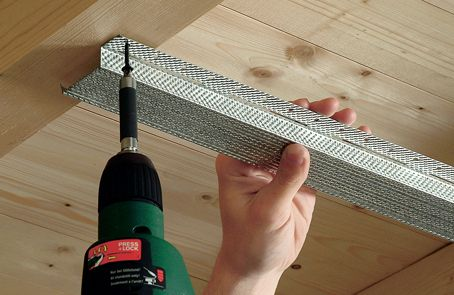 plafond isoleren plaatsen metalen rachels