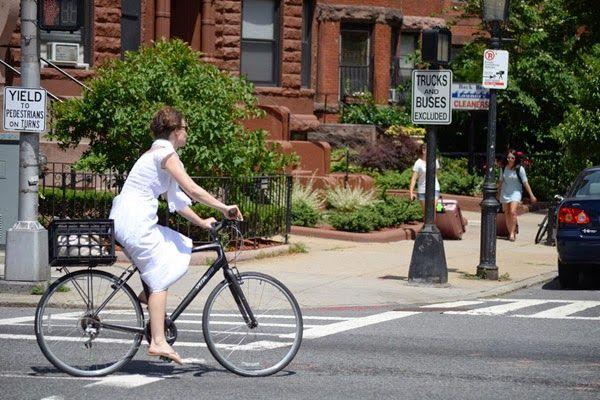 Sepedapancal.com – Kami telah membahas sebagian tentang kesalahan umum para pesepeda pemula, kali ini kami akan membahas lagi tentang topik tersebut agar para pesepeda pemula dapat selamat dan nyaman saat bersepeda.