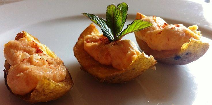 Antipasti veloci con patate e formaggio cremoso alla paprika