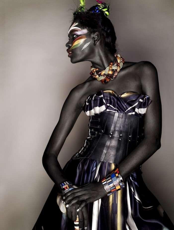 african ebony gallery A sculpture in ebony ( African art).