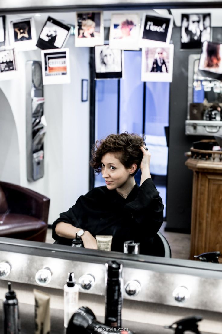 coupe courte cheveux boucles - coiffeur la loge lyon - blog laroxstyle