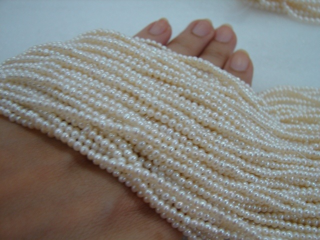 3mm AAA white round pearls