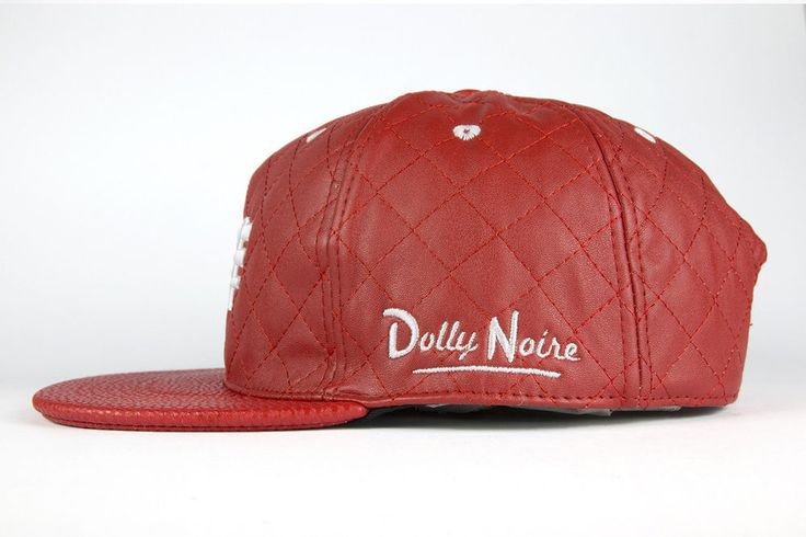 Cappello Dolly Noire mod Bench rosso pelle