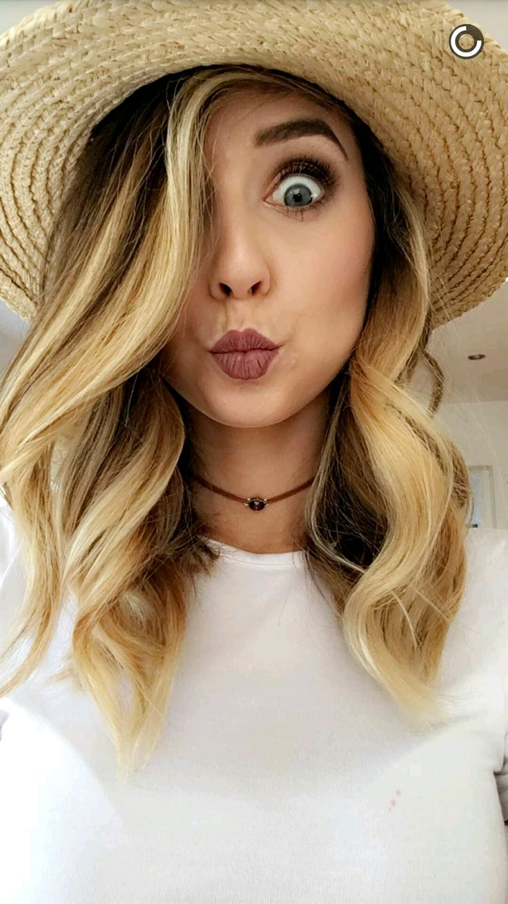 Find This Pin And More On Zoe Sugg