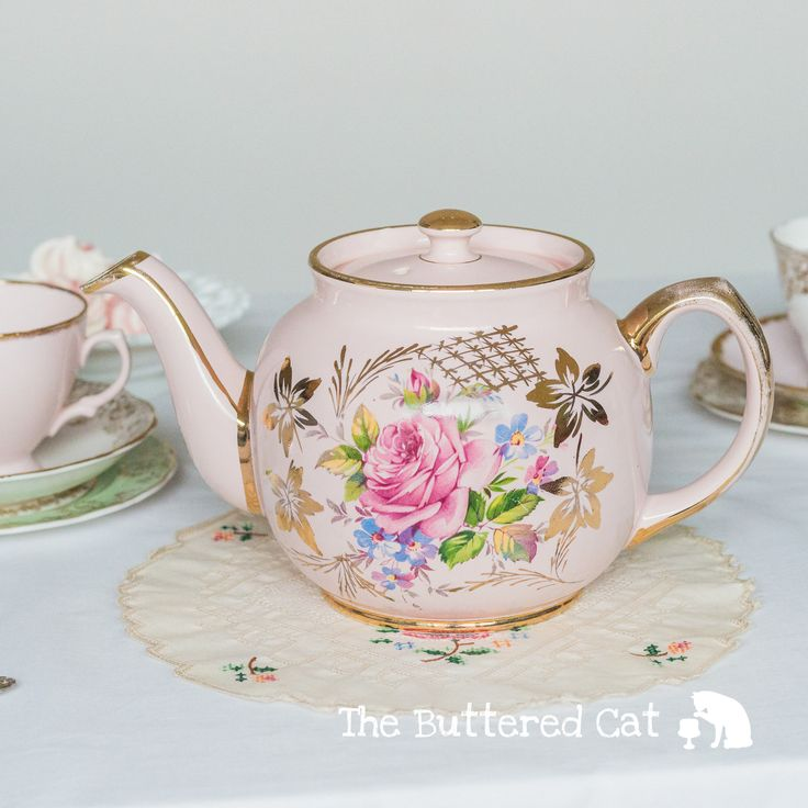 Lovely tea-for-two comprising of a rare vintage Sadler teapot and two English bone china trios by TheButteredCat on Etsy https://www.etsy.com/listing/556890037/lovely-tea-for-two-comprising-of-a-rare