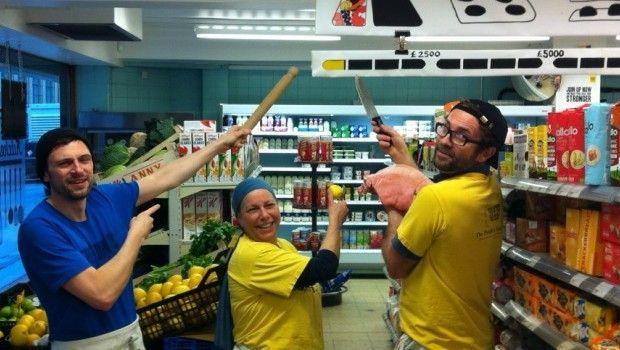 Il supermercato del popolo a Londra gestito dai soci-clienti e senza spreco di cibo