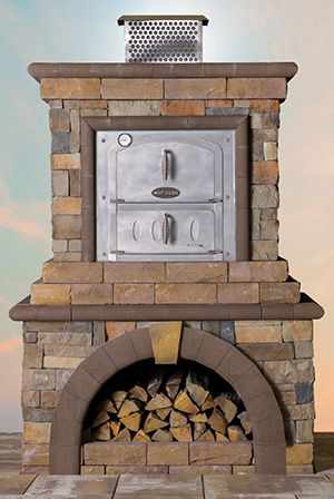 Pergula Outdoor Kitchen With Fireplace And Pizza Oven
