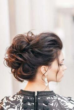 10 Pretty Messy Updos for Long Hair: Updo Hairstyles 2017 #longhairstylesupdo