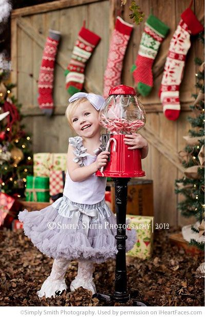 Sweet photo by Simply Smith Photography!  Find more Inspiring Christmas Photo Session Ideas via iHeartFaces.com