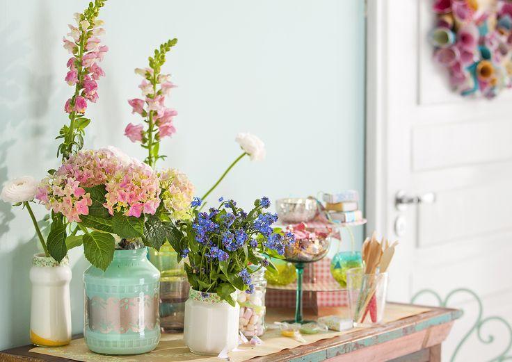 Askartele juhlistasi iloiset! Materiaalit juhlakoristeisiin löytyvät kotoa, ja helpoissa ohjeissa on tekemistä kaikenikäisille.