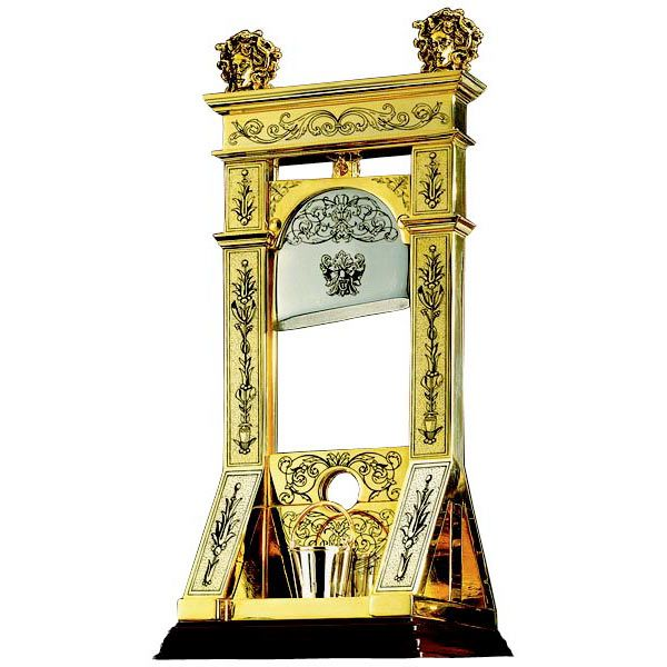 I have never seen such a beautiful guillotine!I'm so jealous!