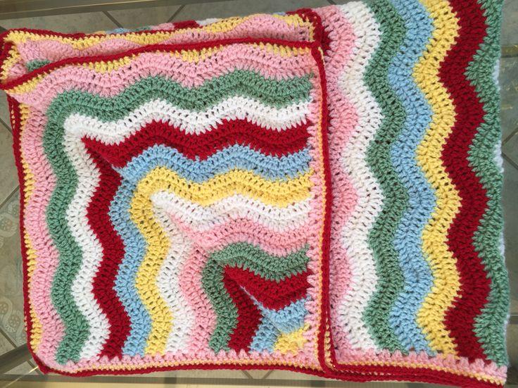 Babies blanket in ripple pattern