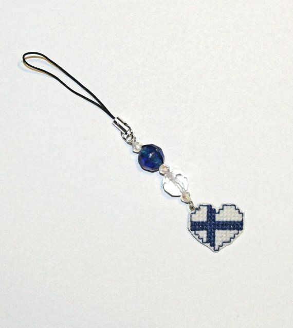 Finnish Flag Heart Shaped Charmer by MyNeedlesSong on Etsy, €4.00