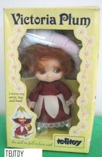 I loved my Victoria Plum doll so much, I had a full collection and even an dress up outfit