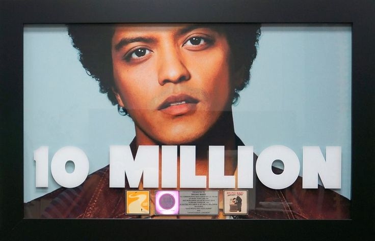 The Bruno Mars Thread Part 3: *EXCLUSIVE BEHIND THE SCENES DETAILS OF THE GORILLA VIDEO!! (post #340)