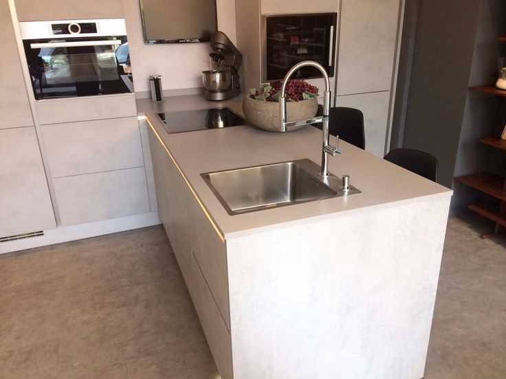 211 best kitchen silestone by cosentino images on pinterest countertop showroom and sink - Life cucine milano ...