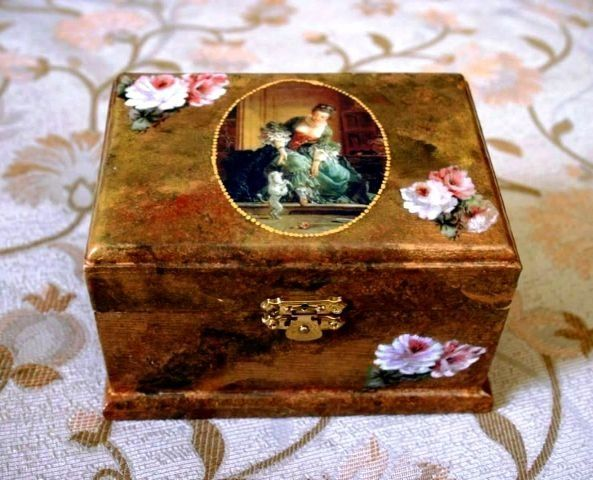 Fake tortois shell, découpage and decorative painting on wood box