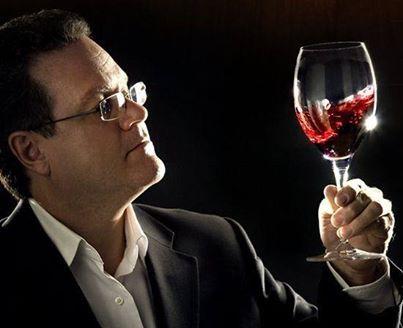 Cerca de 70 estudios científicos comprueban que al consumir levemente o moderado el vino mejora tu función cognitiva y su agilidad mental.
