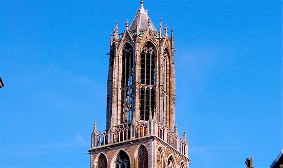 Beklim de 465 treden van de Domtoren en geniet van een fantastisch uitzicht over #Utrecht en omstreken. Meer informatie: www.domtoren.nl/