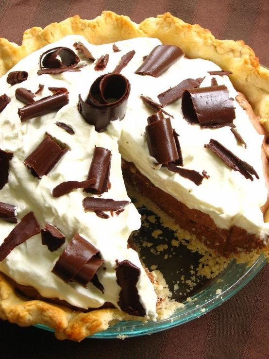 Chocolate Mousse Pie | Things that make my fupa throb | Pinterest
