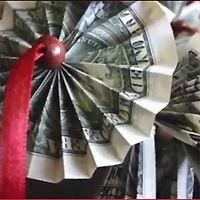 DIY Graduation Money Leis