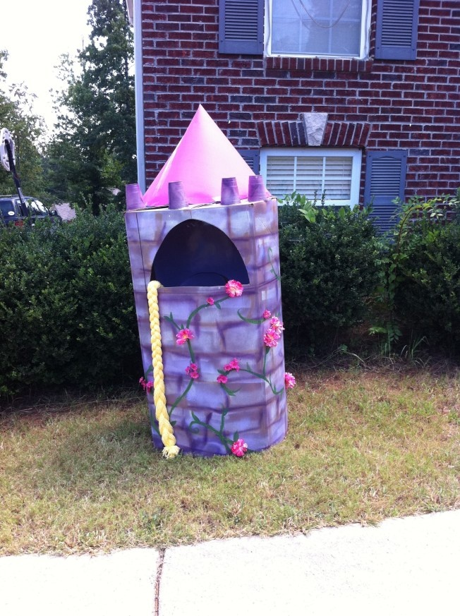 DIY Rapunzel Birthday Party Castle