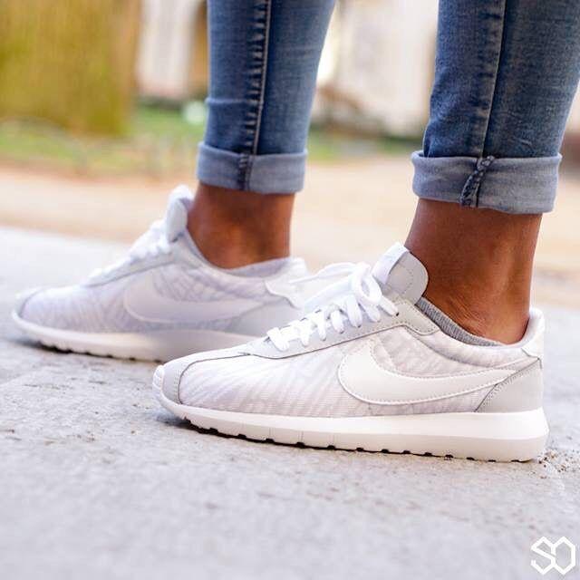 54d2e334085e ... Nike Roshe LD-1000 Knit Jacquard ...